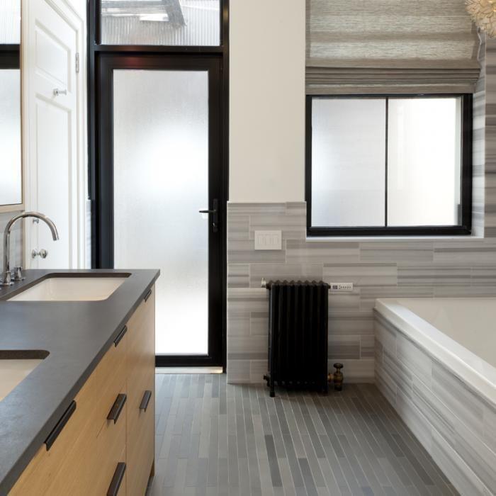 A new york flat with a glamorous view grey bathroom for Grey marble bathroom