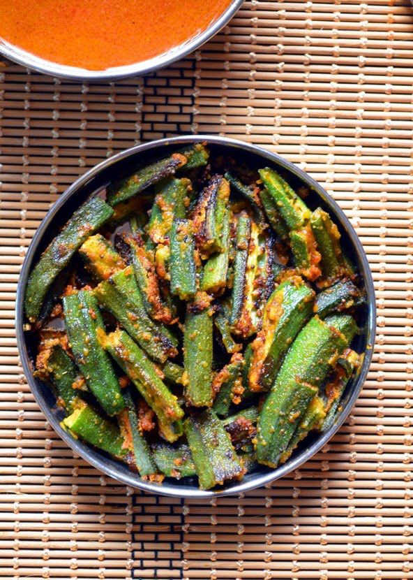 Besanwali bhindi recipe: Okra fry with gram flour,tasty and flavorful side dish recipe @ http://cookclickndevour.com/crispy-okra-fry-recipe-okra-fry-with-gram-flour-recipe-besanwali-bhindi-recipe