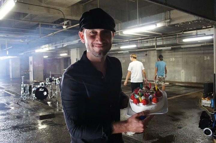 Happy birthday Maynard! lần đầu thấy một thành viên của nhóm up hình sinh nhật, cũng tại trước giờ không để ý, :)