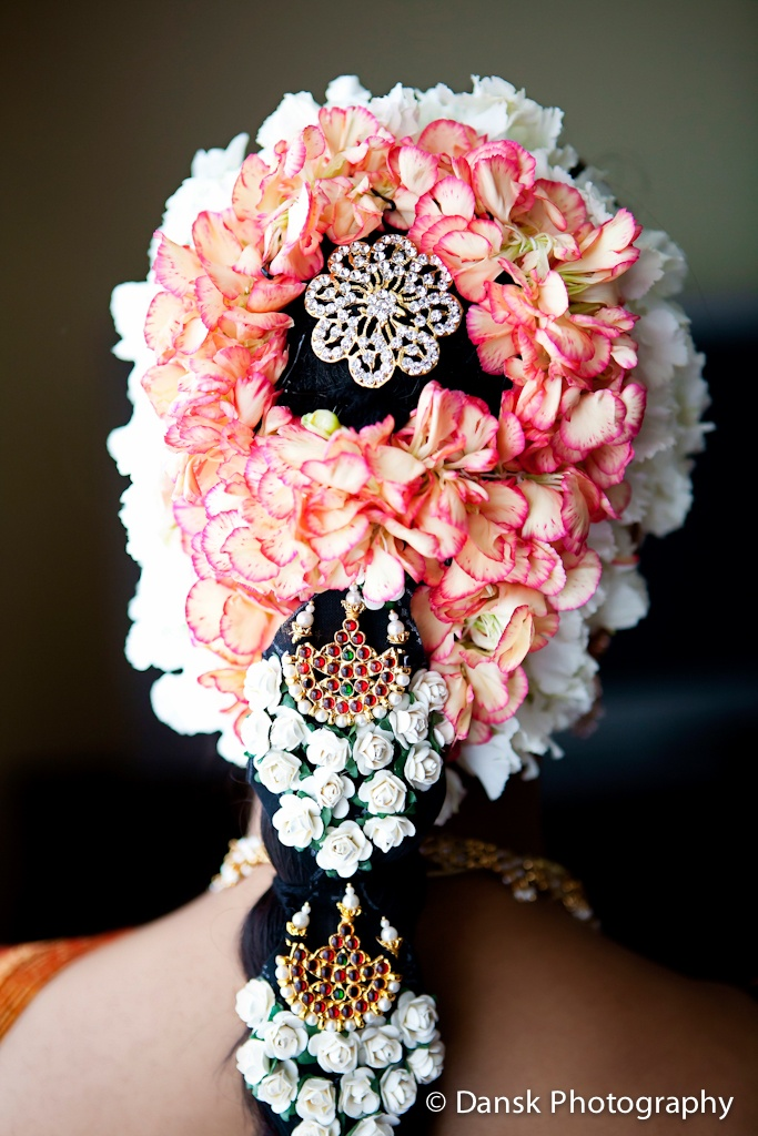 Love the bride's unique take on the traditional gajara. Gorgeous! #indian #wedding