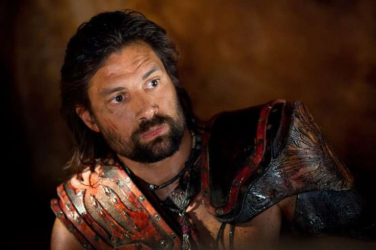 Manu Bennett: 'Spartacus' actor arrested, charged for assault