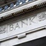Vorige week kwam de niet beursgenoteerde Rabobank met haar resultaten. De Rabobank is één van de weinige banken in de wereld met bij bijna alle ratingbureaus een AAA rating. Deze bank kwam voort uit vooral de hoek van de boeren en zeker in het begin van haar bestaan gold de bank als partner van haar klanten. Nog altijd is deze bank veel meer dan andere banken een 'ledenbank' in plaats van een 'klantenbank'. Als klant ben je lid van de club, en veel minder een klant.
