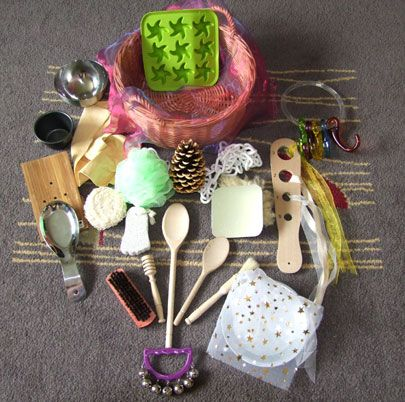 Ideas for Heuristic Play Treasure Baskets for Babies and Toddlers. Things to keep the little one entertained while the others have my attention.