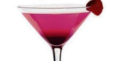 Picture from whattodrink .       French Kiss Cocktail Recipe     Ingredients:     1.5 parts X-Rated Fusion Liqueur     1.5 parts Skyy Vod...