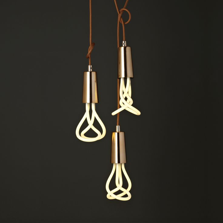 Copper pendant with Plumen 001 bulb