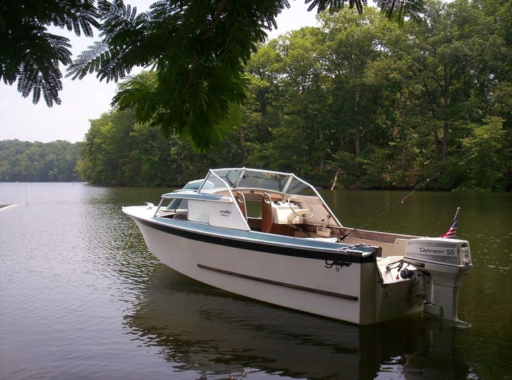 Fibreglass small old cabin cruiser pictures to pin on for Best small cabin boats