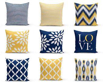 Buttare le federe, giallo blu marino e cuscini decorativi bianco (M32)