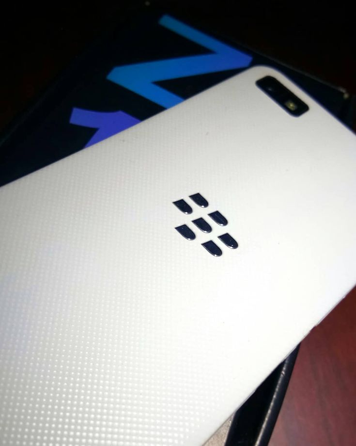 #inst10 #ReGram @shrey_sg_chintu: The best ... I used till now ... Best level I tried (pic) .... . . . . . . . #bbm #bbz10 #blackberry #Z10 #mexico #picoftheday #classic #passport #gadgets #geeky #phone #white #security #sound #instapic #performance #likesforlikes #2018 #timepass #pic