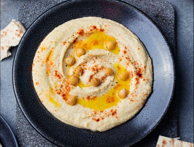 Egy finom Humusz (csicseriborsókrém) ebédre vagy vacsorára? Humusz (csicseriborsókrém) Receptek a Mindmegette.hu Recept gyűjteményében!