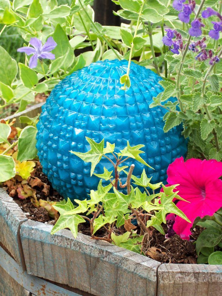 Make The Best of Things: DIY Garden Art SUPER EASY Glass Garden Balls from Lamp Globes