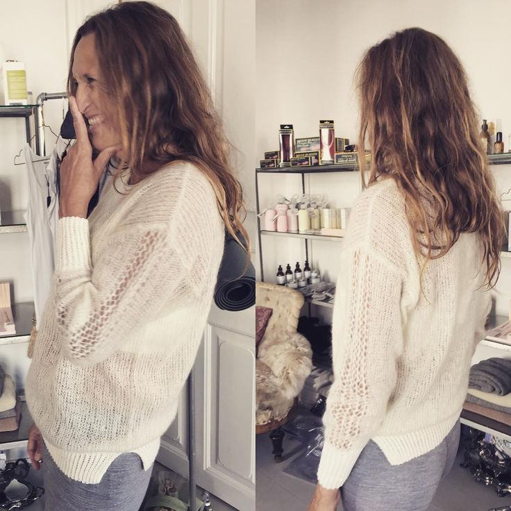 Stinne Gorell laver så fint strik bl.a. denne smukke bluse i alpaca uld og silke…