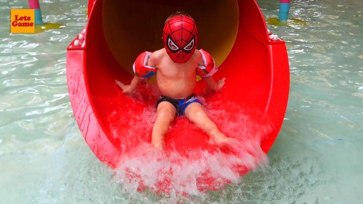 Маленький Мальчик Человек Паук в Аквапарке (Брюссель) - Little Boy at th...