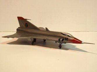 "SAAB J35 ""Draken"" by VEB Plasticart. Details: http://pufiland.weebly.com/planes.html"