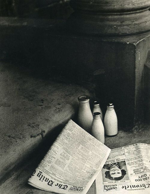 The Morning Papers 1936    Photo: Bill Brandt
