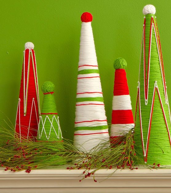 Love these Christmas Yarn Trees! Such an easy #DIY!: 2014 Christmas, Holidays Projects, Yarns Treesyarn, Treesyarn Trees, Christmas Yarns, Christmas Trees, Holidays Christmas, Winter Christmas Crafts, Yarns Projects