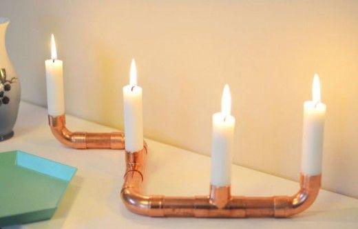 DIY copper candlestick, by KreaVilla. Kan ook met pvc buizen. Alleen lijkt het mij dat er wat onder moet voor het druipen van de kaarsen.