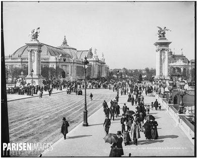 Exposition universelle de 1900. Le pont Alexandre-III et le Grand Palais. Paris (VIIIème arr.), 1900.
