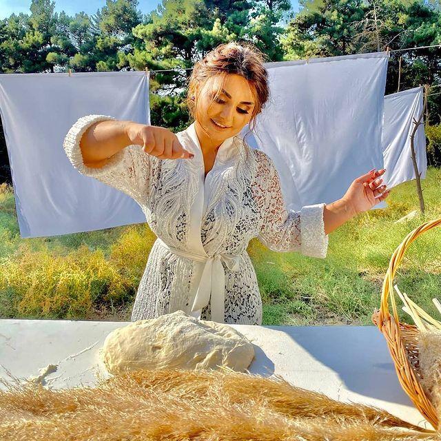 Seven Adamin Kederi Bawqadi Tezlikle In 2021 Dresses With Sleeves Long Sleeve Dress Fashion