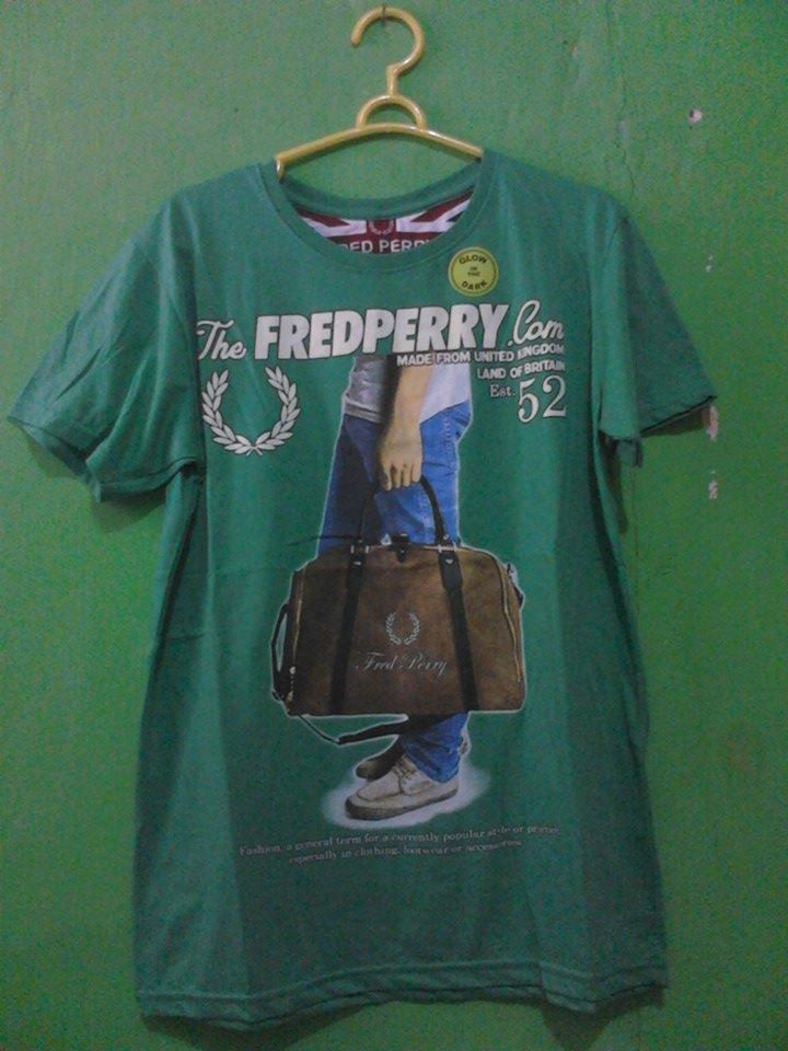 Kaos Fred Perry Glow in the dark (bisa menyala)  Bahan : Cotton Size : All size Harga : Rp. 75.000  http://facebook.com/profile.php?id=302311776588505&_rdr