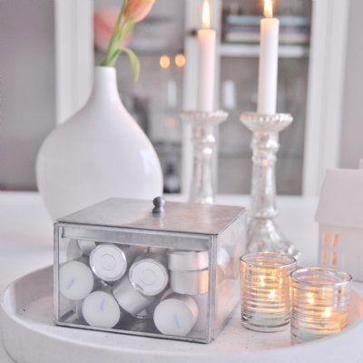 En fin glasbox att förvara t.ex värmeljus, fina smycken eller andra dekorationer i.