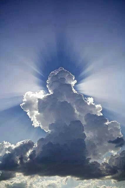 i like this picyure because its awesome , i like the different forms that the clouds shape into .