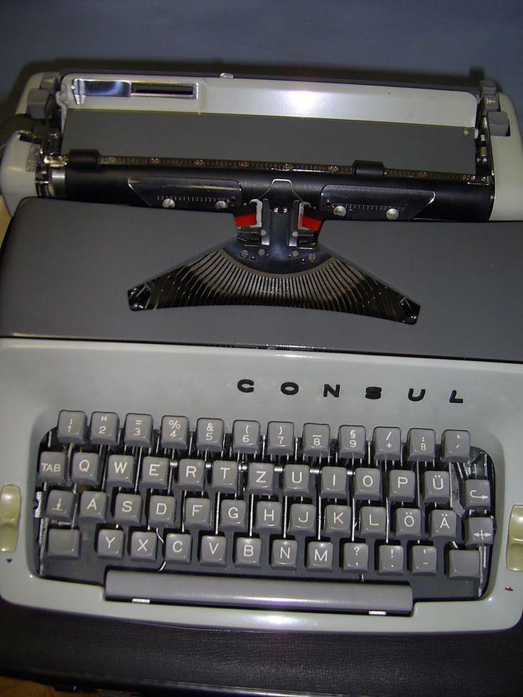 Reiseschreibmaschine typewriter CONSUL , Modell 221, Koffer, Metall grau, Design