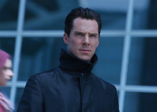 Spectacular new 60-second spot for Star Trek Into Darkness starring Chris Pine, Zachary Quinto, Zoe Saldana  Benedict Cumberbatch