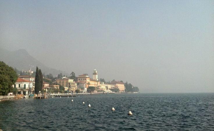 #AmiciDelGarda questa è #Gardone #Riviera - Iscriviti alla newsletter ufficiale del Lago di Garda http://ldgp.it/lmOT78 -  #VisitLagoDiGarda #LagoDiGarda [#foto Valentino Ramazzotti]