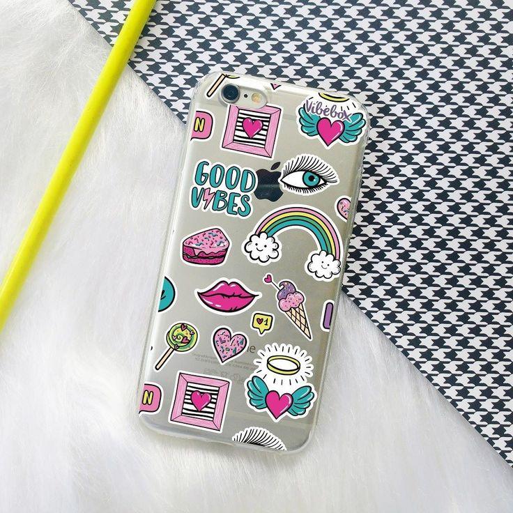 Quanto mais patches melhor! Essa belezinha vai ficar parecendo adesivo no seu celular . . {case patches fun}. . Temos cases para mais de 80 modelos de celular!