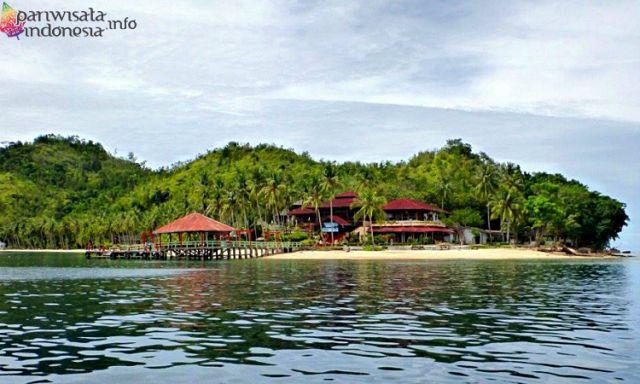 Pantai Pulau Sikuai
