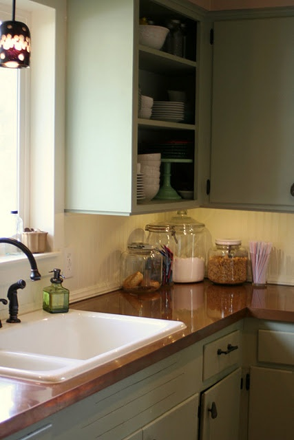 Copper countertop tutorial, love these colors together, this is what I'm wanting in my kitchen!!