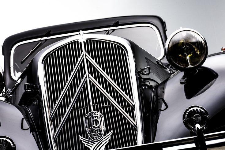 Scoprite la Traction 15 SIX i suoi aneddoti, ma anche la storia di tutti i veicoli che raccontano la leggenda di Citroën! #CitroënOrigins. http://bit.ly/29RwG7K