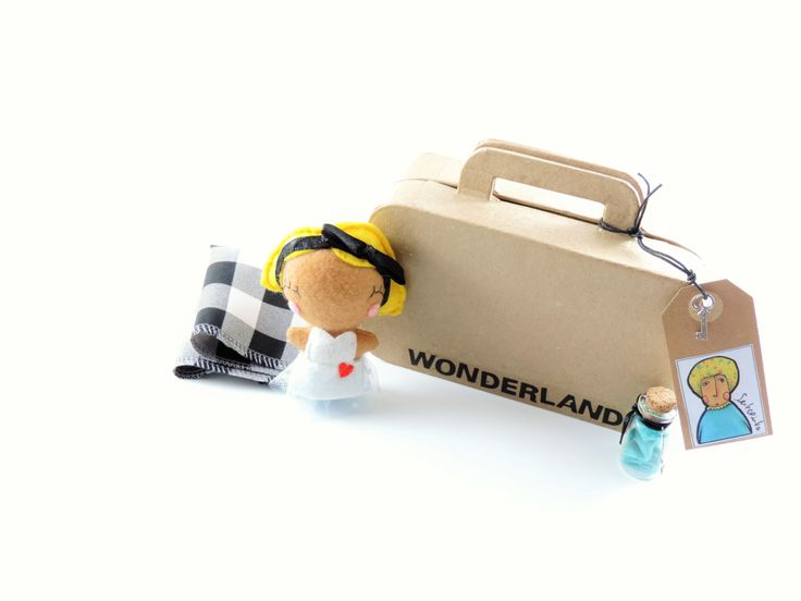 Alice _ Wonderland by Senhorinha on Etsy