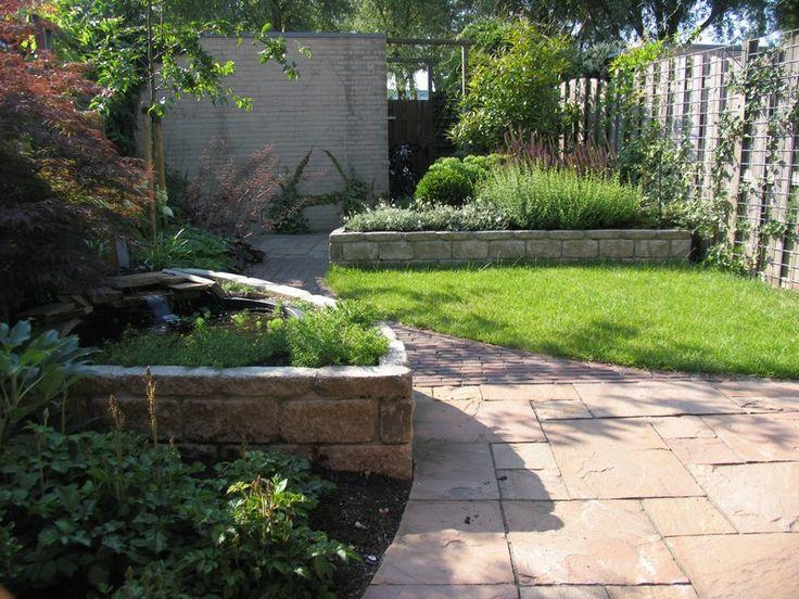 Kleine tuin met ronde vormen