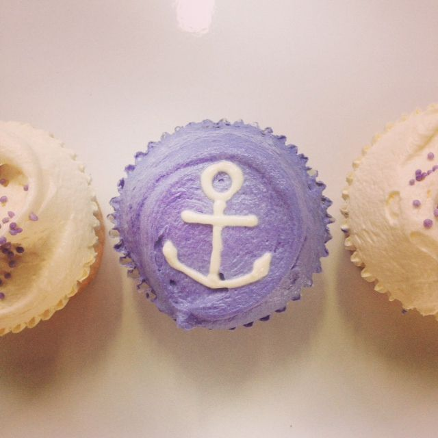 Themed cupcakes from The Little Bakery...Go Freo Dockers!