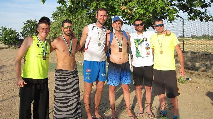 El I Torneo de Extremadura de Voley Playa de Miajadas estuvo marcado por el calor predominante en toda la jornada que hizo mella en el juego de los jugadores presentes.