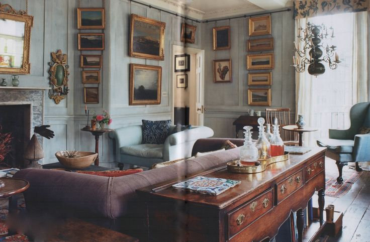 A north London townhouse designed by antique dealer Robert Young. Photo by Tim Beddow. The World of Interiors, November 2015