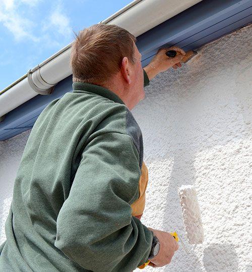 Poser du crépi extérieur : http://www.maisonentravaux.fr/couts-travaux/couts-peinture/comment-faire-crepi-exterieur/