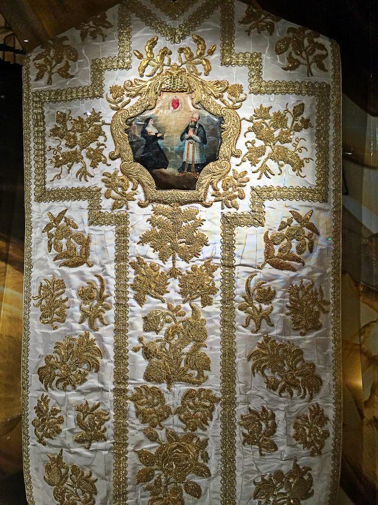 Chasuble de la canonisation de saint François de Sales. Visitation de Caen. XVIIIème s.