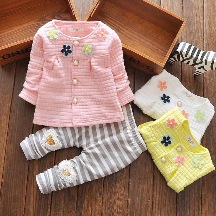 $14.00 (Buy here: https://alitems.com/g/1e8d114494ebda23ff8b16525dc3e8/?i=5&ulp=https%3A%2F%2Fwww.aliexpress.com%2Fitem%2F2015-new-children-s-clothing-autumn-Korean-tradechildrenset-girls-flowers-cardigan-coat-children-baby-suit%2F32531515339.html ) Newborn Baby Girls Clothes Set 2015 New Baby Girl Clothes Spring Fashion Infant Girl Long Sleeve Clothing Roupa De Bebe Menina for just $14.00