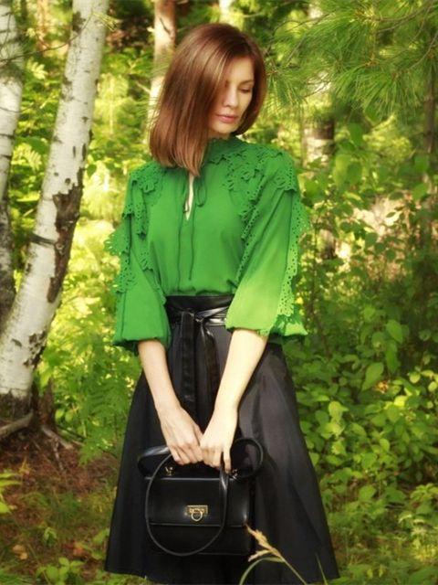 3fe6ffba8b #SHEIN #Green #Minimalist #Highstreet #Office #Lady Tie Neck #Shirred #Panel  Laser Cut #Streetwear #Blouse