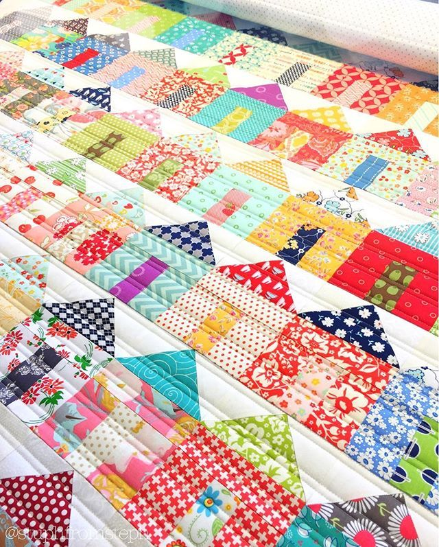 "I want to live in this cute subdivision! | @mamacliff does scrappy soooooo well, doesn't she? horizontal beadboard quilting {132 little houses (4"" x 5.5"") x 7 pieces per house = 924 pieces}"