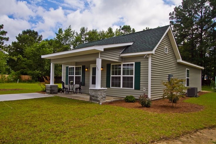 The Cutest Little Low Country Cottage Women Build