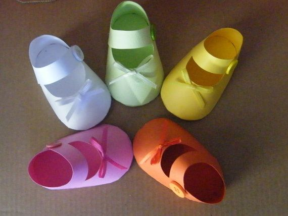 20 - 3D Invitations, Gift Box, Party Favor, Baby Shower, Paper Booties, Paper Shoes, Baby Shower Favor, Baby Shower Invitations!