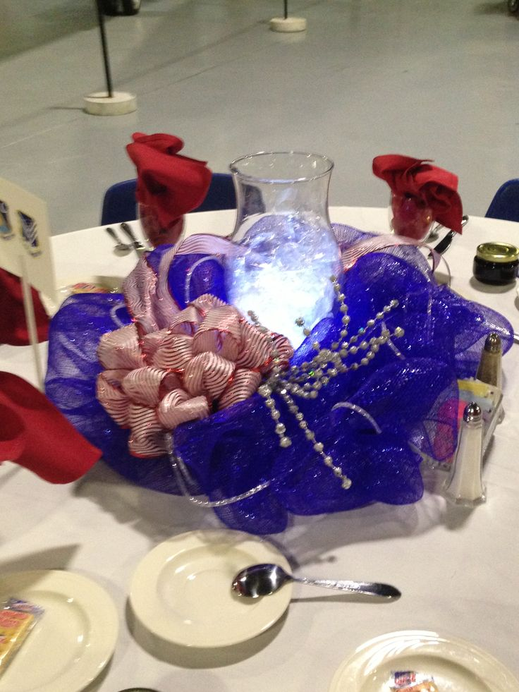 Af ball centerpiece deco mesh wreath air force for Decor 6 form air force