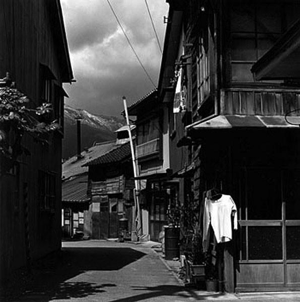 by Issei Suda