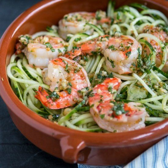 Cucumber Noodles with Garlic Shrimp, a simple healthy meal ready in less than 15 min.