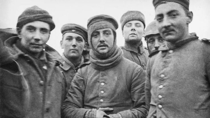 'I shall never forget it': 100 years since WWI Christmas truce | Christmas truce, Wwi, Christmas ...
