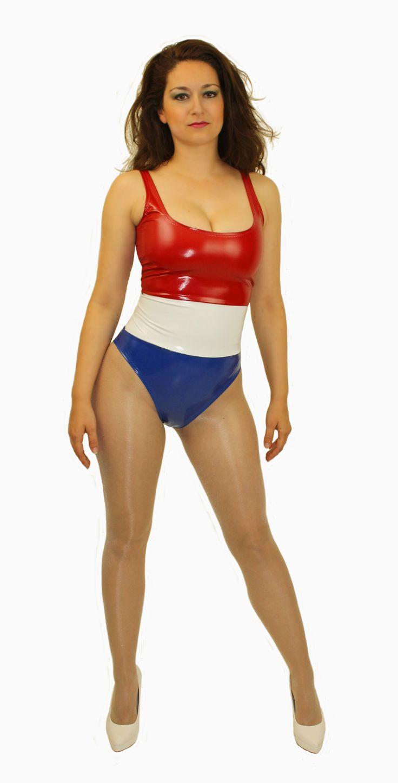 Rood, wit, blauwe lak body. Bij de billen een braziliaans model. Lak stretcht naar 4 kanten en zit dus perfect. Nederlandse vlag badpak.
