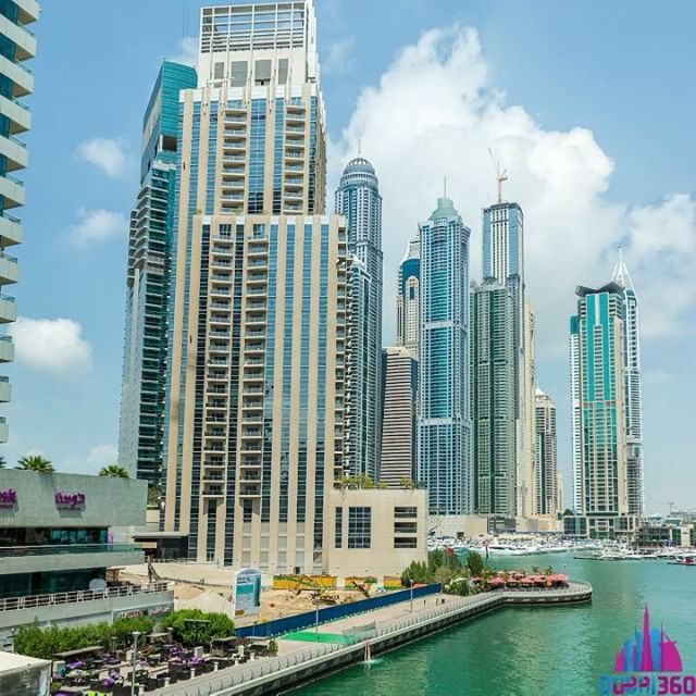 Let's take a walk through #DubaiMarina - day and night - Hi-Res 360° panorama. Click the link in bio! #Dubai #VR #VR360